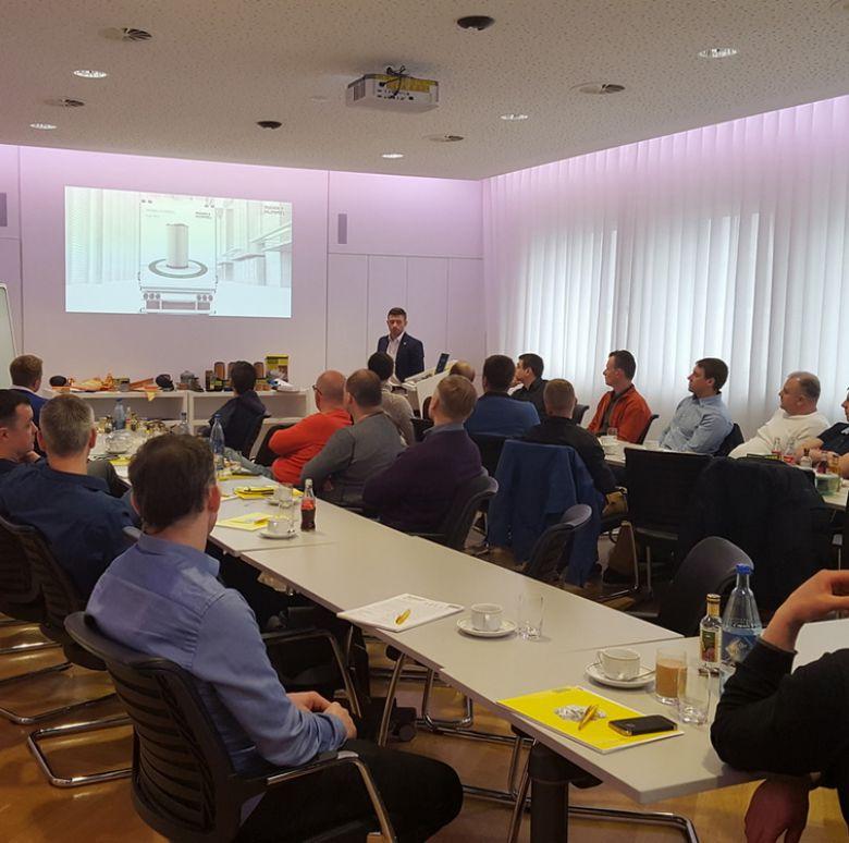 Partnerių organizuota kelionė į BMW gamyklą Miunchene